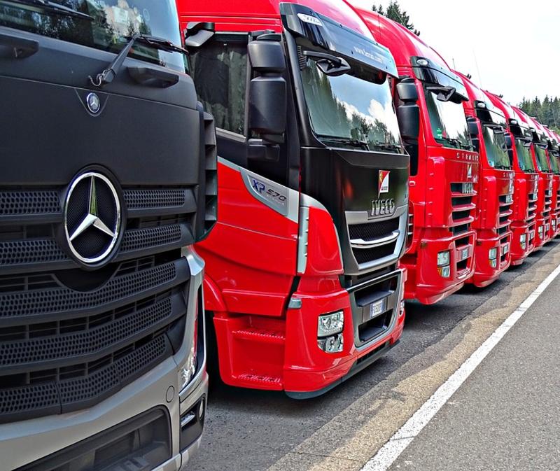 Transport całopojazdowy, czyli dlaczego opłaca się wynająć całą ciężarówkę?